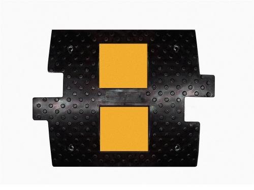 ИДН 500-1 резиновый с кабель-каналом (Резиновый Лежачий полицейский)
